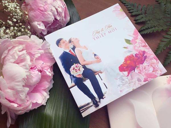 Thiệp cưới TGTD129 hoa mẫu đơn