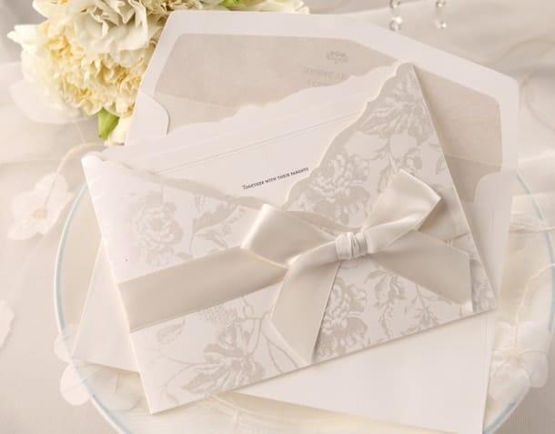 Bộ sưu tập thiệp cưới màu trắng
