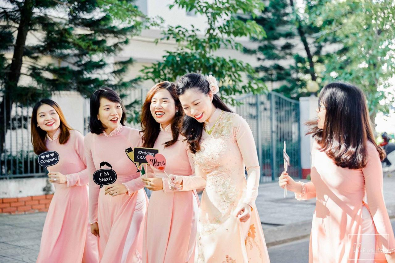 áo dài bưng quả, áo dài bưng quả hồng pastel | Phù dâu, Áo dài