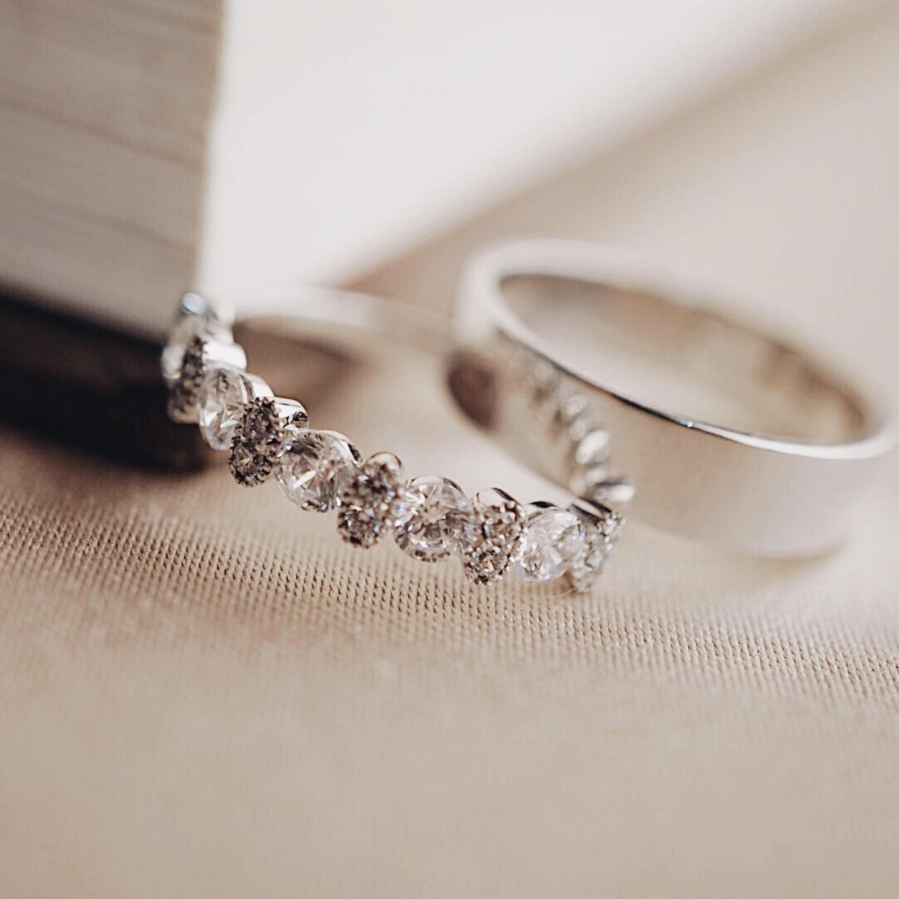 Nhẫn cưới vàng tây BAND RING 4.5MM & STARDUST ETERNITY RING | Nhẫn Cưới  thiết kế | Crownhanoi