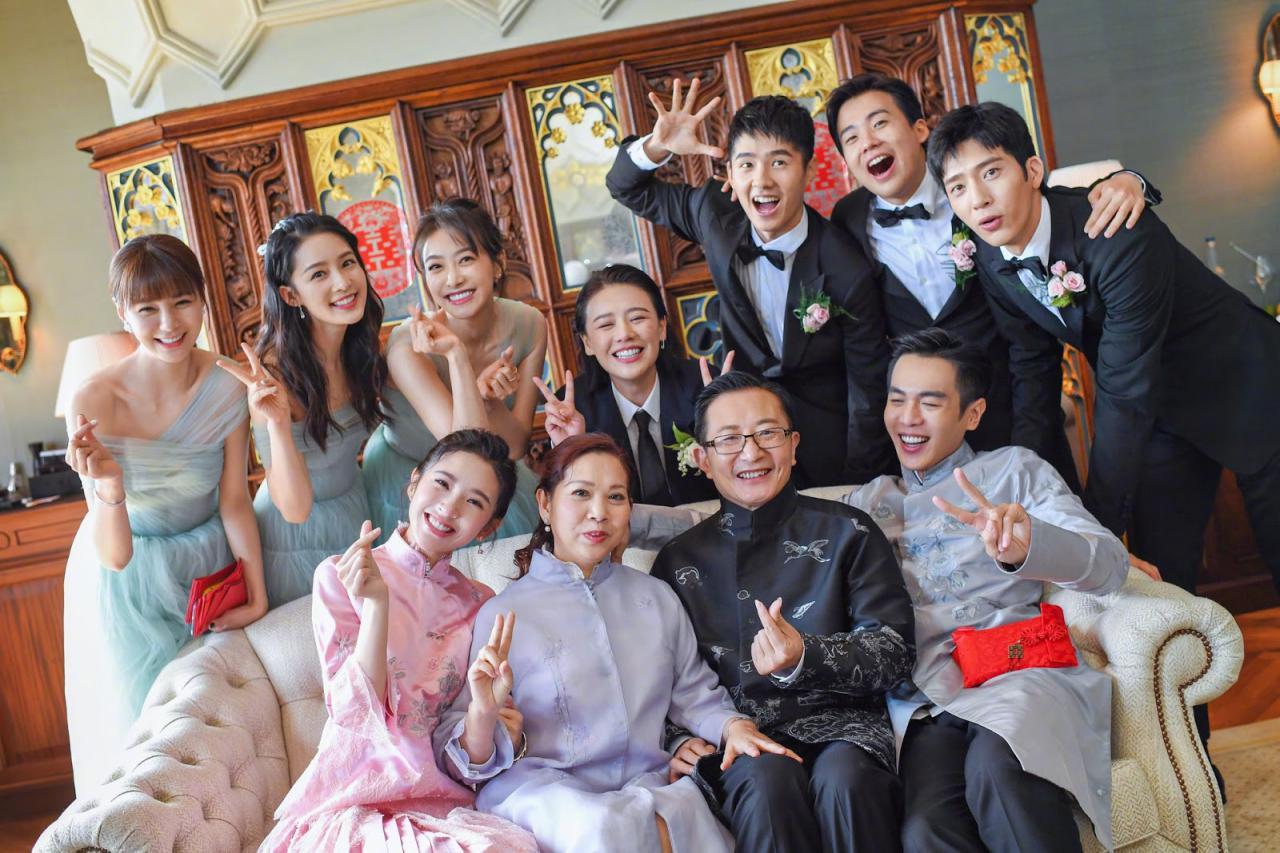 Dàn phù dâu, phù rể quậy banh nóc tại đám cưới Đường Nghệ Hân Trương Nhược Quân - Sao châu Á - Việt Giải Trí