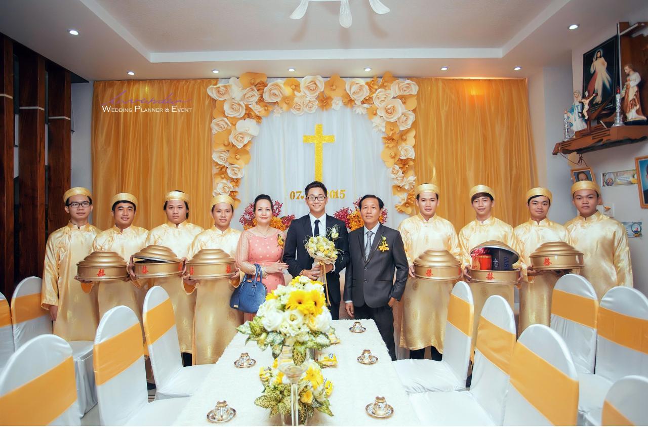 Trang trí lễ gia tiên tông màu vàng. | Đám cưới, Trang trí, Đính hôn