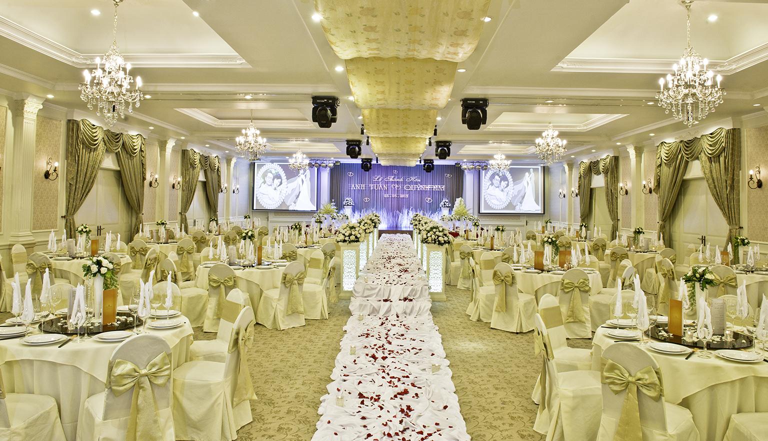 10 lưu ý khi tổ chức tiệc cưới tại nhà hàng