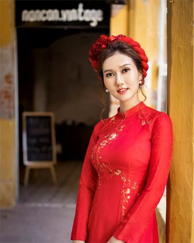 Kiểu tóc cô dâu mặc áo dài đội mấn