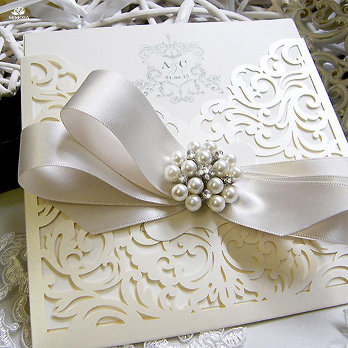 Thiệp cưới đính nơ ngọc