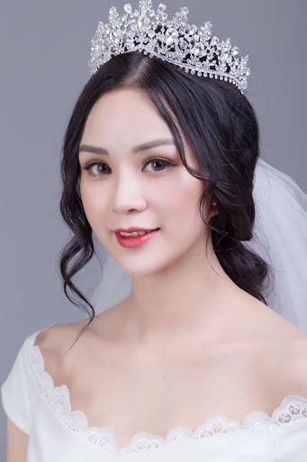 trang điểm cô dâu phong cách công chúa